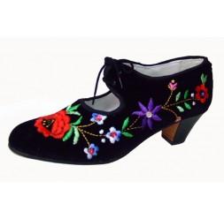 Zapatos bordados (varios modelos)